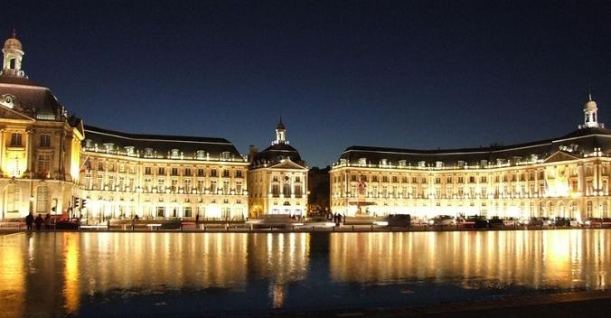 Place de la Bourse à Bordeaux (Crédits : Christophe Finot)