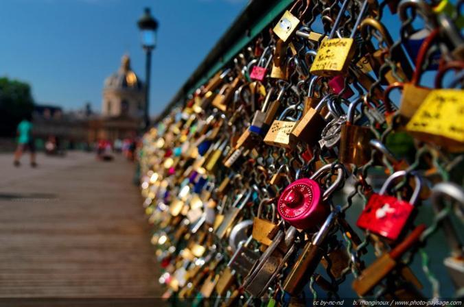 Le pont des Arts et ses innombrables cadenas (Photo : b.monginoux)